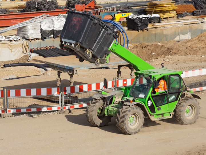 Axle load monitoring of telehandlers